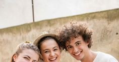 friends Magazin :: MERKUR Immer gut - Kochcamp Pizza Bianca, Crown, Friends, Caramelized Onions, Cooking School, Cooking, Recipies, Amigos, Corona