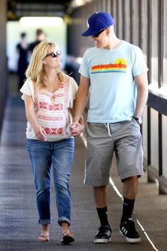 *EXCLUSIVE* Reese Witherspoon and Jim Toth stop for a baby check-up