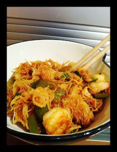Tous à vos chaudrons: Vermicelles de riz aux crevettes Sauce Sriracha, Sauce Chili, Shrimp, Chicken, Meat, Food, Broiled Shrimp, Pisces, Cauldron