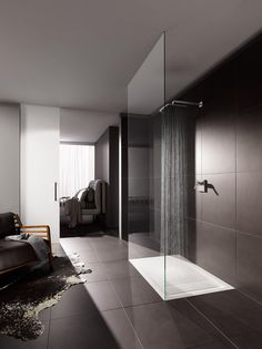 Opale by Keramag AG follows the trend for generous, extremely flat shower trays.