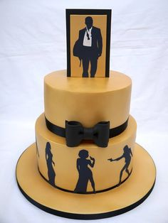 A cake to celebrate a birthday – the theme of the party was James Bond and the colours were gold and black – so this is what i came up with! Im so thrilled with how it turned out – the gold was acheieved with PME gold lustre spray in a can –. Soirée James Bond, James Bond Cake, James Bond Party, Beautiful Cakes, Amazing Cakes, Rodjendanske Torte, Foundant, Casino Party Foods, Casino Cakes