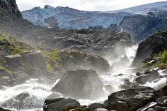 Dans le Parc national de Folgefonna, Norvège. (from Krupa photographies - Galeries)#Aurlandsfjord #Bergen #Cascade #Dalsnuten #Falaise #Fjord #Folgefonn #Glacier #Kiragg #Kjerag #Lysefjord #Manafossen #Naeroyfjord #Norvège #Norway #Preikestolen #Reinaknuten #Sokkanuten #Sollifjellet #Stavanger #norway Land Of Midnight Sun, Parc National, Norway, Landscape Photography, Waterfall, Landscapes, Around The Worlds, Pictures, Outdoor
