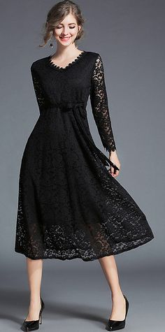 Chic V-Neck Long Sleeve Lace Belted Maxi Dress