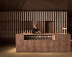 Ricard Camarena Restaurant in Valencia by Francesc Rifé Studio Lobby Design, Design Entrée, Design Trends, Restaurant Counter, Restaurant Design, Hotel Lobby, Cafe Interior, Interior Design Studio, Commercial Design