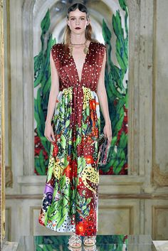 http://www.vogue.com/fashion-shows/spring-2017-ready-to-wear/tsumori-chisato/slideshow/collection