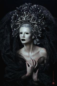 Dark bride by serg tisso on gothic beauty, portrait photography, godd Dark Fantasy Art, Fantasy Kunst, Dark Art, Fantasy Photography, Portrait Photography, Art Noir, Fantasy Portraits, Mystique, Arte Horror