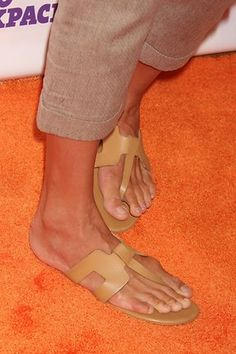 Uma Thurman's bunions! Oh dear Bunions - ouch looks painful!! if you would like to be able to wear shoes, sandals and boots again without being in pain take a look at Meanfeet's range of Wide Fitting Bunion Relief Footwear at www.meanfeet.com