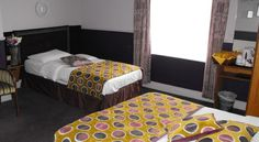 The Glen Guesthouse Dublin In the centre of Dublin, The Glen Guesthouse provides spacious rooms with en suite bathrooms and power showers. Some rooms have balconies and Connolly Station is just a 5-minute walk away.