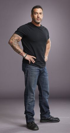 Skip Bedell of Catch a Contractor. Just defines gorgeous. Define Gorgeous, European Dress, Sexy Men, Sexy Guys, Picture Photo, Eye Candy, Crushes, Handsome, Normcore