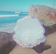 inflatable mermaid clam shell + inflatable pearl