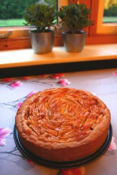 Wie mij een beetje kent weet dat ik van taart hou. Er zijn weinig taarten die ik niet lust maar appeltaart heeft een extraspeciaal plekje in mijn culi-hart. Ik heb hem het liefst traditioneel; met …