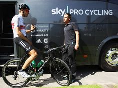 Team Sky   Pro Cycling   Photo Gallery   Tour presentation day gallery