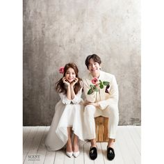 Elegant and All Natural 37 Korean Wedding Photos to Make Marriage Plans Next Summer - Wedding Pre Wedding Poses, Pre Wedding Photoshoot, Wedding Pics, Wedding Shoot, Wedding Couples, Wedding Dresses, Summer Wedding, Korean Wedding Photography, Photography Tips