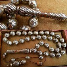 Materials : Coquilla Nut (Full+Full Silver inlaid)  Çeşmi Bülbül, Kuka (Duble Gümüş İşlemeli)  Size : 10x12 mm Masters : Yasin Demir (Sivaslı Yasin Usta)  Turkey - WhatsApp +90 532 311 22 90