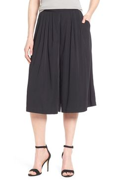 Cool shorts alternatives | Catherine Maladrino gaucho pants