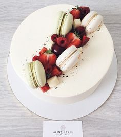 [Food and drink]Mothers Day cake fruit Pretty Cakes, Beautiful Cakes, Amazing Cakes, Cupcakes, Cupcake Cakes, Cake Decorated With Fruit, Fruit Birthday Cake, Mothers Day Cake, Just Cakes
