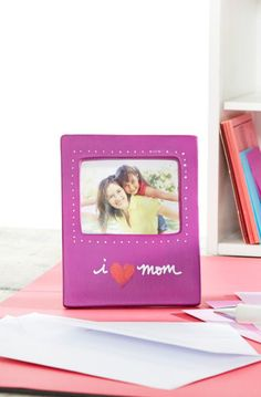 Make mom a gift she'll cherish forever with this DIY Mother's Day Ceramic Photo Frame