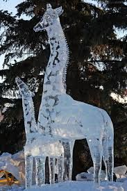 A baby giraffe calf with its mother Ice Sculpture. Snow Sculptures, Sculpture Art, Ice Logo, Cute Fantasy Creatures, Frozen Snow, Ice Hotel, Ice Art, Great Works Of Art, Snow Art
