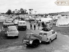 Tuck In Time Miniacs & we close the show with a brilliant yesteryear camping field sporting a couple of Minis. TBH I'm not sure how that Mini Van is shifting all that weight... bet the lil old A-Series is ready for a rest at journeys end! Lol Goodnight folks