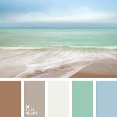 El esmeralda claro, el arena oscuro y el blanco espuma hacen recordar a la costa de mar. Tal combinación de color es una excelente opción para restaurantes y hoteles de playa. Los bañadores y bikinis de fibras naturales en dichos tonos pastel se verán muy chic.