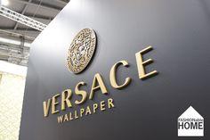 Картинки по запросу wallpaper versace