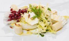 Ensalada fresca para el verano a base de endibias, escarola y palmito con una vinagreta de mandarina.