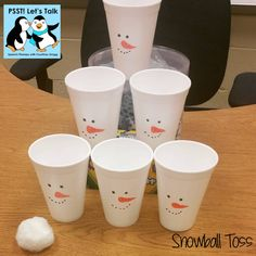Snowball/Snowman Toss. Open-ended game for speech and language therapy. Follow PSST! Let's Talk: https://www.pinterest.com/eislaufen87 for therapy ideas!