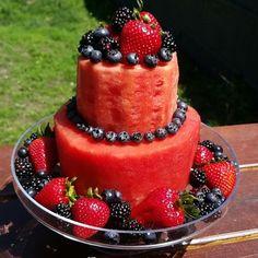 Bowl cake with blackberries and faisselle - HQ Recipes Fruit Birthday Cake, Watermelon Birthday, Watermelon Cakes, Watermelon Benefits, Watermelon Carving, Fresh Fruit Cake, Bowl Cake, Salty Cake, Fruit Recipes