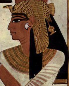 Savez-vous pourquoi les Égyptiens s'entouraient l'œil de khôl? C'est à l'origine pour des raisons médicales que l'on se cernait l'oeil de noir... Découvrez-en plus sur l'histoire du maquillage sous l'antiquité égyptienne. http://bdcbleblog.com/histoire-du-maquillage-antiquite-egyptienne/ #beaute