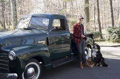 truck- I already have the dog, but I want a truck like this too!