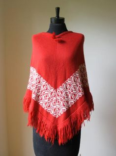 Round She Goes - Market Place - Vintage Red 1970s knitted poncho
