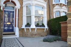 Front garden Victorian black and white mosaic London Balham Clapham Kingston Bromley Croydon Richmond Kew Chiswick | London Garden Design