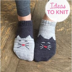 Socks on Saturday: YinYang Kitty Ankle Socks — Ewe Ewe Yarns Knitting Patterns Free, Free Knitting, Knitting Socks, Free Crochet, Knitted Hats, Crochet Patterns, Knit Socks, Yin Yang, Knitted Headband Free Pattern