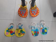manual activity: clown shoes for Circus Crafts Preschool, Circus Activities, Clown Crafts, Circus Theme Crafts, Preschool Classroom, Yoga For Kids, Art For Kids, Crafts For Kids, Theme Carnaval