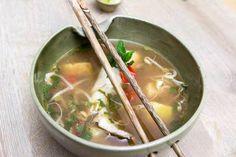 Saure Fischsuppe mit Ananasund Bambussprossen