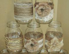Conjunto de 10 mangas de tarro de masón, decoraciones de la boda de arpillera, rústicos centros de mesa boda, arpillera y cordón, Jar no incluido