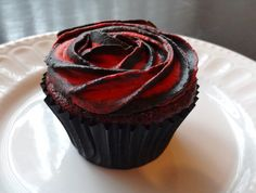two tone rose red velvet cupcakes