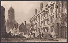 Pembroke College & Tom Tower,   Oxford     Postcard  Unposted   (739)