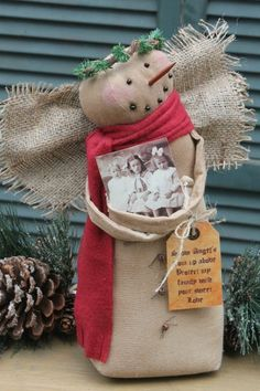 Primitive Pattern Snow Angel A beautiful Snow Angel To Hold your Family Photo Christmas Sewing, Primitive Christmas, Country Christmas, Christmas Snowman, All Things Christmas, Christmas Holidays, Christmas Decorations, Christmas Ornaments, Snowman Crafts