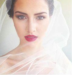 Te atreves con los labios rojos, para tu boda???