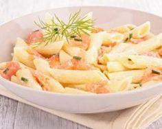 Penne au saumon fumé et crème fraîche légère pour 1 personne : http://www.fourchette-et-bikini.fr/recettes/recettes-minceur/penne-au-saumon-fume-et-creme-fraiche-legere-pour-1-personne.html