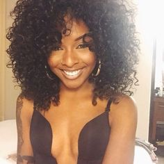Hair Steamers for Natural Hair - The Secret Is Out! Pelo Natural, Natural Curls, Wig Hairstyles, Straight Hairstyles, Everyday Hairstyles, Hairdos, Curly Hair Styles, Natural Hair Styles, Curly Girl
