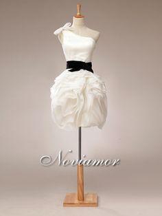 Robe de Mariee Courte Plissee Collante 7008 2