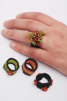 How to make a beaded band ring. Peyote Ring - Step 4