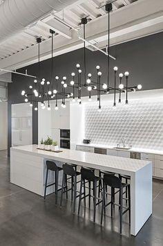 The Best Contemporary Chandelier Inspiration | www.contemporarylighting.ey | #contemporarylighting #lightingdesign #chandelier