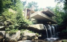 6: Frank Lloyd Falling water, USA  Picture: ALAMY