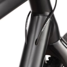 Cucuma Veloz Pro 2 Carbon Triathlon Time Trial Bike - www.cucuma.com  - detail pin .. see the inner cable mounting