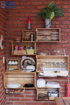 Os armários da cozinha também são improvisados