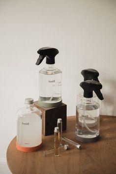 Glass Packaging, Beverage Packaging, Print Packaging, Skincare Packaging, Beauty Packaging, Minimalist Decor, Minimalist Design, Secondary Packaging, Stationary Branding