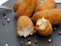 Ham and Cheese Croquettes Happy Valley Dairy Easy Smoothie Recipes, Snack Recipes, Cooking Recipes, Easy Recipes, Dinner Recipes, Fingers Food, Salty Foods, No Salt Recipes, Snacks Für Party